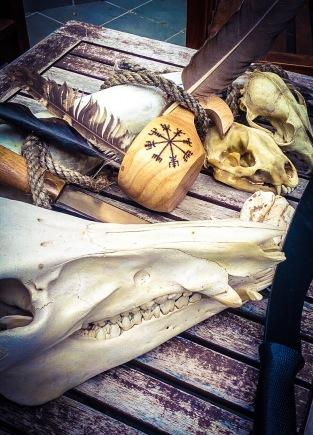 Otro presente de Sam: Un Vegvísir gravado a fuego en mi taza de madera